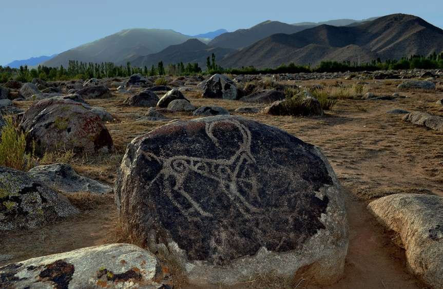petroglyphs_slide_000